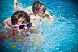 La importancia del uso de gafas de sol en niños